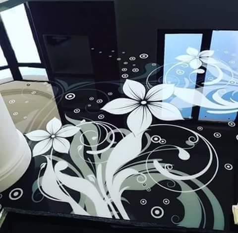 Porcelanato Líquido Desenhado Flor Preto e Branco